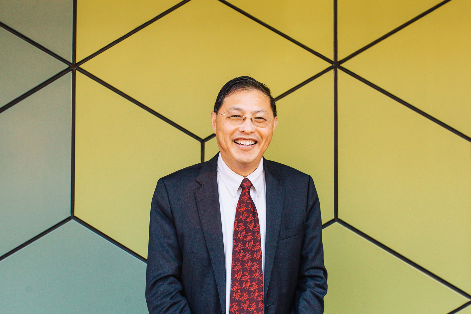 Distinguished Professor Min Gu
