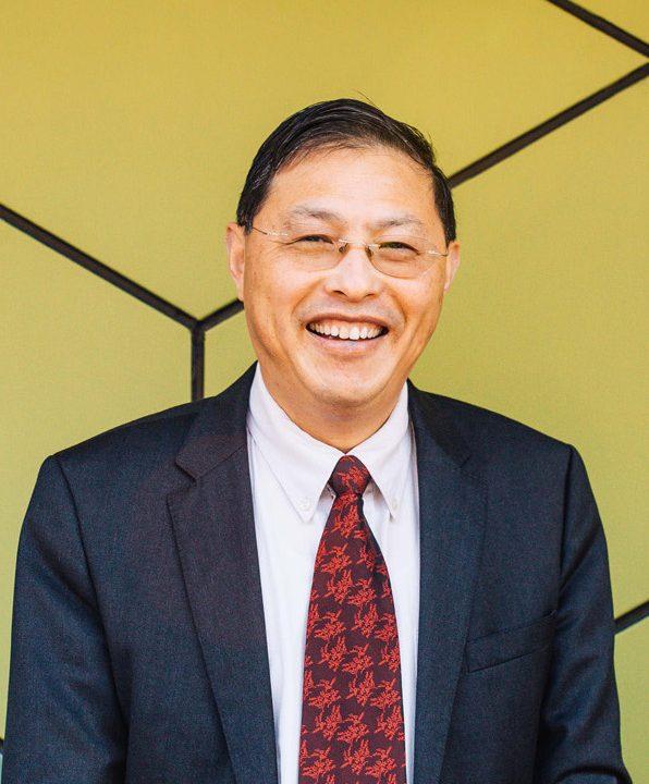 Distinguished Professor Min Gu