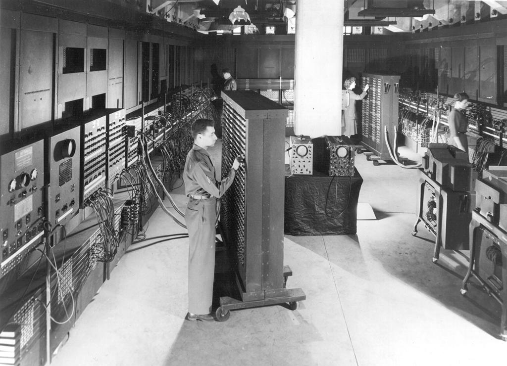 Worker at the ENIAC computer in 1946