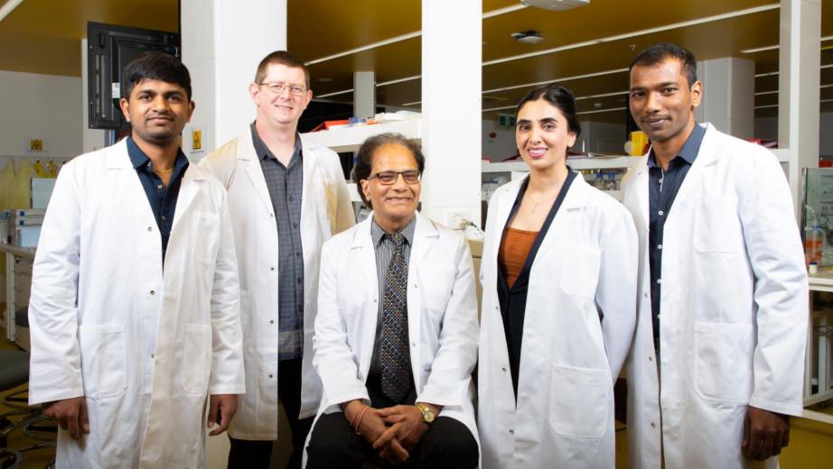 The Molecular Engineering Group at RMIT: Ganga Reddy Velma, Dr Steven Priver, Distinguished Professor Suresh Bhargava, Dr Neda Mirzadeh, Dr Srinivasareddy Telukutla